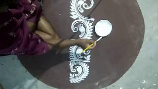 SIMPLE LAXMI PAA DESIGN / RANGOLI DESIGNS/KOLAM WITH BRUSH/JYOTI CHITA/MUGGULU