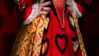 Косплей на королеву из Алисы в стране чудес)
