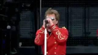 Bon Jovi - Raise Your Hands - Live - Munich, Germany - June 12, 2011