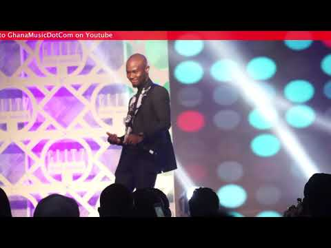 King Promise Got everyone singing along to 'Oh Yeah' @ Glitz Style Awards '17 | GhanaMusic.com Video