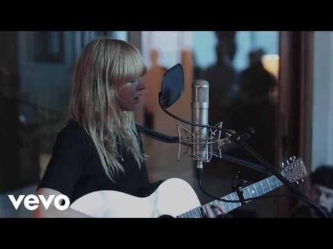 Lucy Rose - Making of Live at Urchin Studios