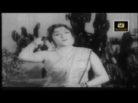 Padmini & Saroja Devi - Manjalum Tandhal - Thenum Paalum