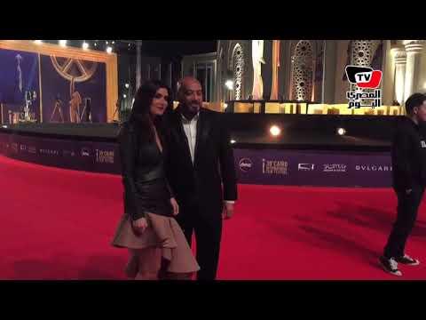 وصول عزت ابو عوف وغادة عادل لمهرجان القاهرة السينمائي  - نشر قبل 11 ساعة