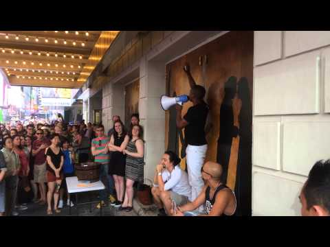 Leslie Odom Jr. does Audra Mae does Bob Dylan's Forever Young at the Hamilton lottery - Aug. 8, 2015