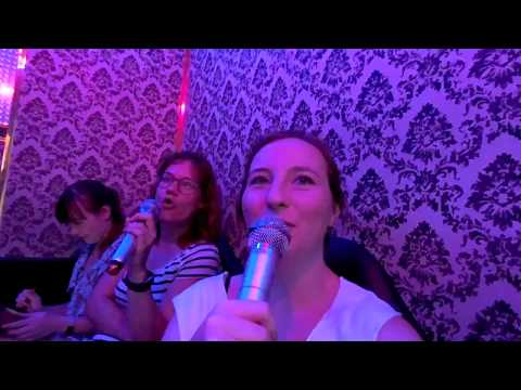 Tokyo vlog with my sister - Skytree, Vegan ramen and Karaoke