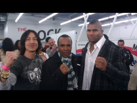 Alistair Overeem with Sugar Ray Leonard and Henry Tillman for ChokeOuT Cancer