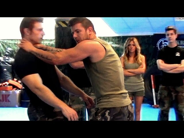 KRAV MAGA TRAINING • Choke with a Strong push!