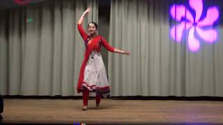 Highlights from Navina Arora 's Diwali Performance at Birmingham.