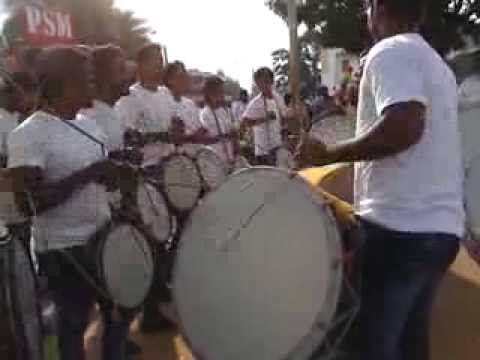 Awesome heavy Indian drum beats - (watch till end)