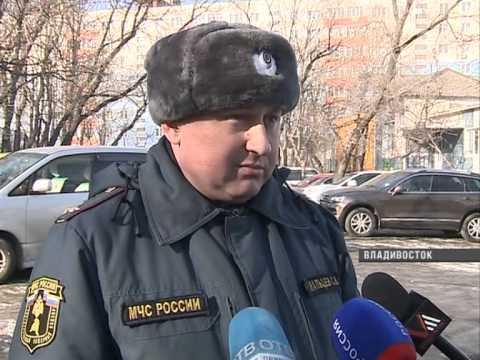 Парковка автомобилей во Владивостоке становится угрозой жизни людей