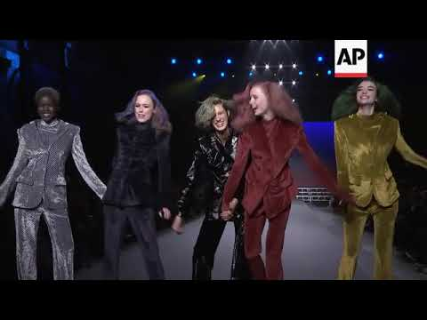 Sonia Rykiel celebrates 50 years of fashion with Bananarama performance