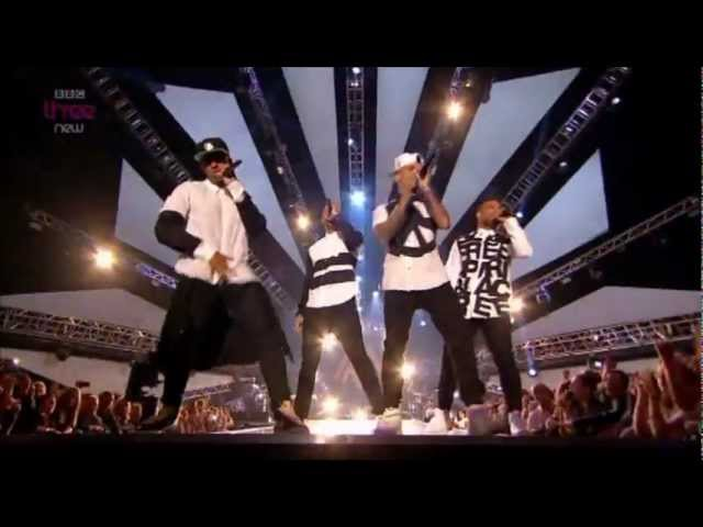 jls-hottest-girl-in-the-world-live-mobo-awards-2012-manormachine100