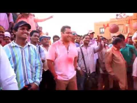 Salman Khan dances his heart out while shooting for Song