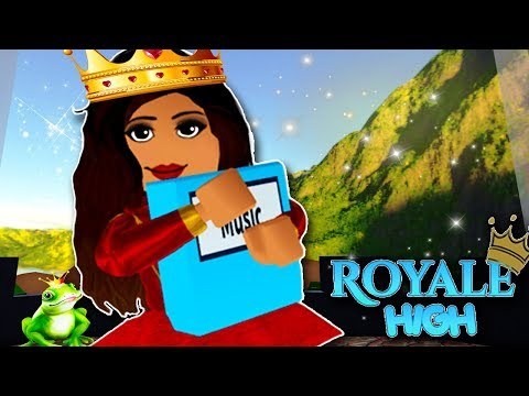 FIRST DAY OF PRINCESS SCHOOL | Royale High School | Roblox F