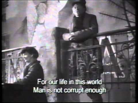 Die Dreigroschenoper, Ernst Busch 1931 Mack The Knife english subtitles.