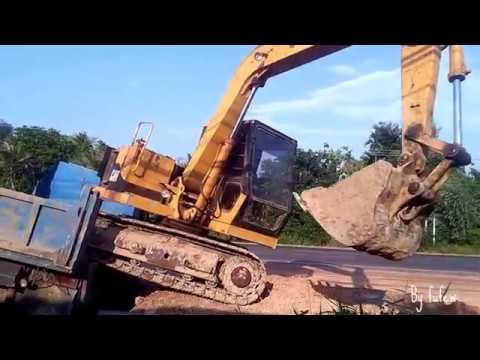 รถแบคโฮ ลงจากรถดั้มหกล้อ Backhoe &  6 wheel Truck