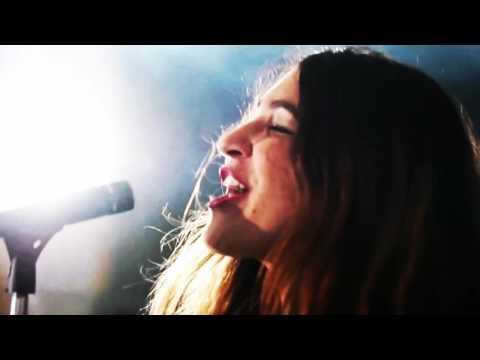 Canción del anuncio Yves Saint Laurent Mon Paris 3