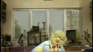 Muppet Labs - She Blinded Me With Science (music video)