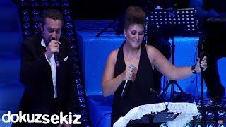 Halil Sezai & Sibel Can - Paramparça  (Harbiye Açıkhava Konseri)