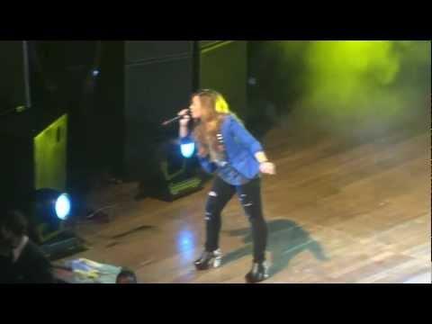 Demi Lovato - Here We Go Again + La La Land (São Paulo - 30/04/12) - HD
