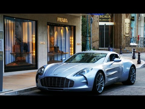 Aston Martin One-77 AMAZING - Walk around, V12 engine sound and some accelerations!