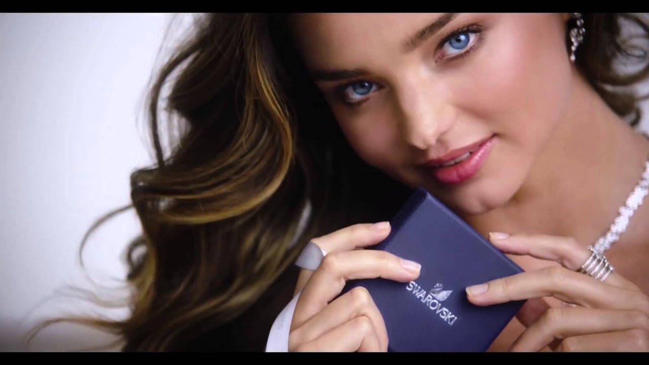 4384ec1e072f Collares Swarovski - Miranda Kerr 2016 - YouTube