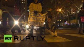 USA: Demonstrators block traffic in protest against Chicago mayor