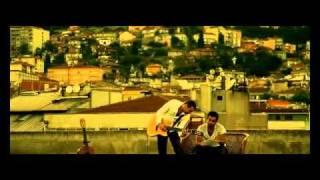Özgür Akkuş & Gökhan Türkmen - Kayıp Şehir 2010 klip (+lyrics)