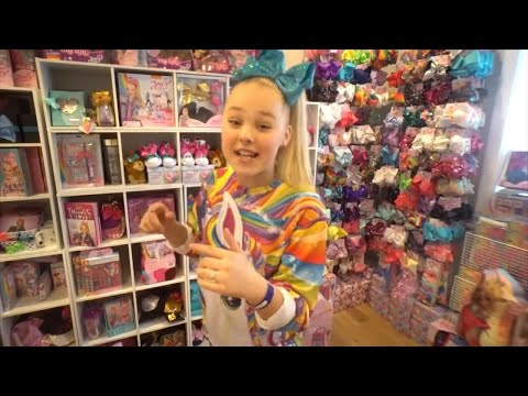 'Dance Moms' Star JoJo Siwa Flies 8-Year-Old Showstopper to Hollywood