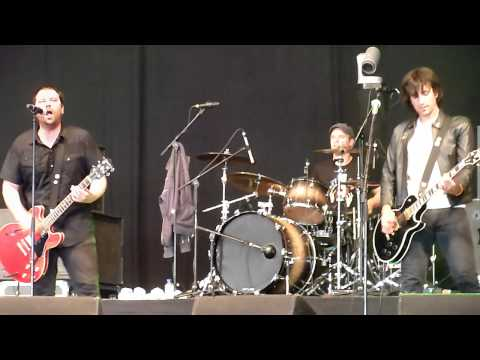 She's The Blade, by Sugarcult (@ Groezrock, 2011)
