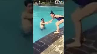 Tim bị Trương Quỳnh troll té xuống hồ bơi .