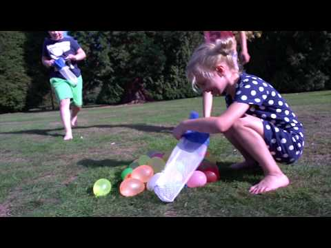 02281 Commercial SES Splash Battle - water balloon sling