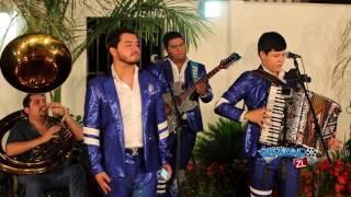 Los Nuevos Ilegales Ft. Los Amigos De Culiacan - El Chango (En Vivo 2016)