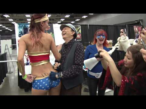 James Hong Signing Wonder Woman at Austin Comic Con