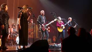 Baixar Brandi Carlile & Secret Sisters - Raise Hell - By The Way I Forgive You - Chicago Theatre 6/15/18