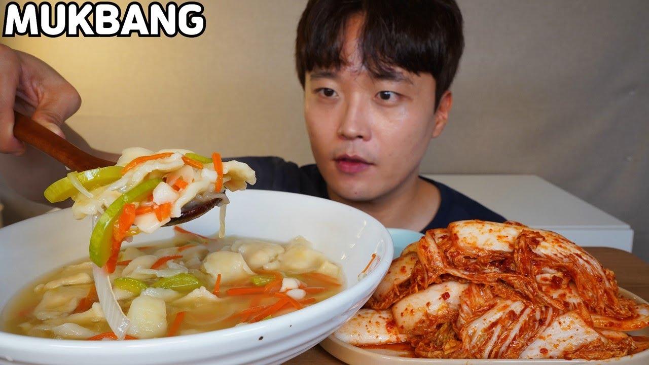 [와차밥] 와이프가 직접 반죽한 감자수제비 갓담근 김치 먹방 Sujebi & Spicy Kimchi ASMR MUKBANG REAL SOUND EATING SHOW COOKING