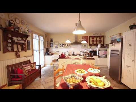 appartamento con terrazzo di 40 mq - YouTube
