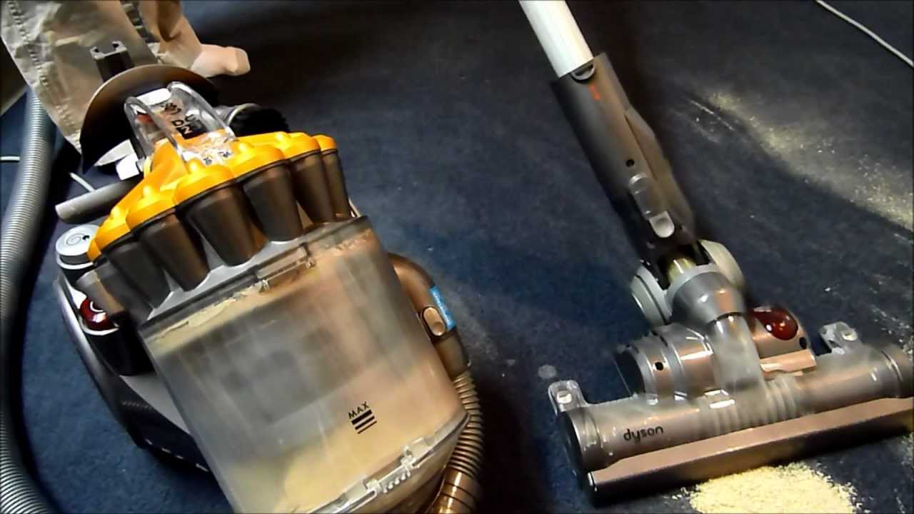 Dc23 motorhead vs dc17 with saw dust youtube for Dyson dc23 motor stopped working