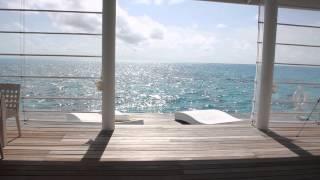Habitación en el Diamonds Thudufushi Water Villas en Las Maldivas