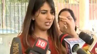 Kargil martyr's daughter Gurmehar Kaur approaches DCW against rape, death threats