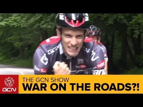 War On The Roads?! + The Strangest Prize In Pro Cycling | The GCN Show Ep. 136