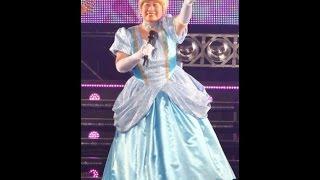 あき竹城、シンデレラ姿でTGC登場 2015/02/28 19:53 金髪ヘア&シンデレ...