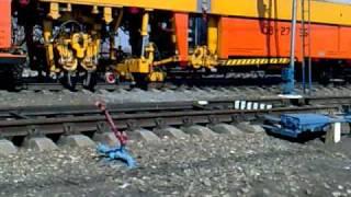 Ремонт путей, станция Ревда, Свердловская ЖД(, 2011-05-09T05:17:29.000Z)