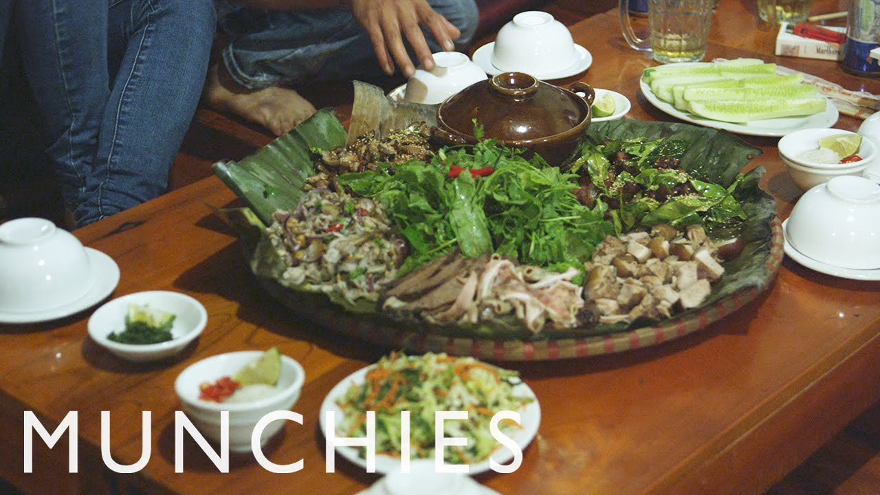 Fresh Blood, Chicken Feet, and Lots of Rice Wine: Chef's Night Out with The Hill Station