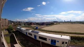 踏切動画 ふみきりカンカン電車が通過します