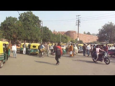 LOCAL MARKET AROUND AGRA FORT : BIJLI GHAR In India