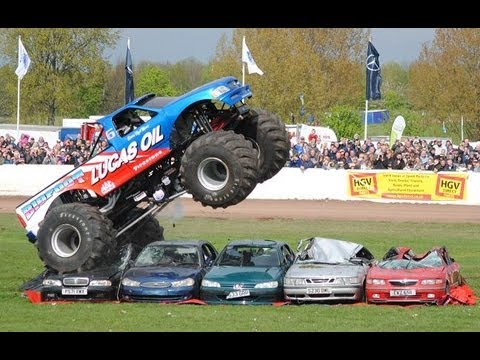 Truckfest Bigfoot Monster Truck Car Jump Youtube