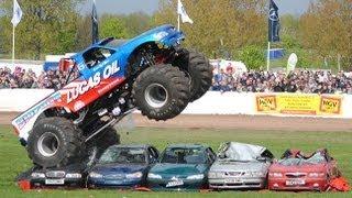 beamng drive monster truck crashes