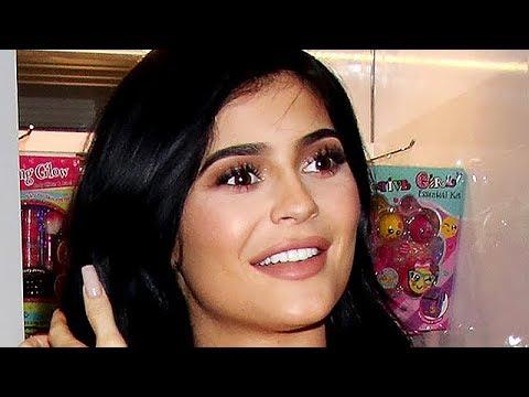 Kylie Jenner Determined To Beat Kim Kardashian To A Billion Dollars
