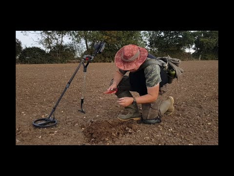 METAL DETECTING UK XP GOLDMAXX FIELD 43